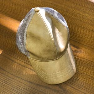 C.C Exclusives hat *like new*